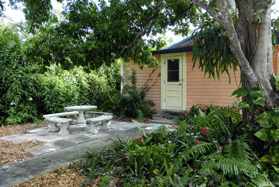 vacation home cottage for rent in south florida broward county fort lauderdale florida. Environmentally friendly vacation cottage for rent. Weekly vacation rental home or monthly vacation rental house for rent. Haskell's House - a vegetarian and environmentally friendly rental cottage in Fort Lauderdale, Florida.  Weekly and Monthly vacation rentals are available at this cute, vegan, self-catering, environmentally-friendly, green, and chemically free cottage for strict vegetarian and chemically sensitive visitors.  Vacation rental, vacation home, vacation house, vacation cottage, vacation cabin, florida vacation rental cottage, florida vacation rental cabin, florida vacation rental home, florida vacation rental house, south florida, broward county, palm beach county, Fort Lauderdale, South Florida, vegetarian vacation cottage for rent, vegetarian vacation home for rent, vegetarian vacation cabin for rent, vegetarian vacation house for rent, florida vacation cottage for rent, florida vacation cabin for rent, florida vacation house for rent, florida vacation home for rent